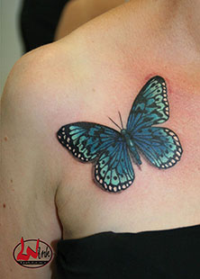WInk-tattoo-schmetterling-ruecken
