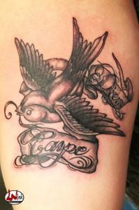 wink-tattoo-blackgrey-carpediem