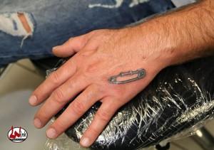 wink-tattoo-blackgrey-safety-pin