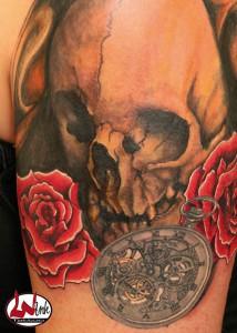 wink-tattoo-skull-rosen